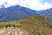 Vue sur la porte du Soleil au dessus d'Ollantaytambo - Vallée sacrée des Incas - Cusco - Peru - Machu Picchu