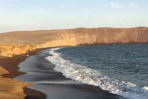 Playa roja - Paracas - réserve - Ica - désert - ocean -pacifique
